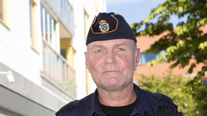 """För områdespolisen Christer Melvinsson är det ungdomarna som är drivkraften: """"Man vill inte att de ska hamna i tråkigheter"""". Foto: HENRIK JANSSON"""