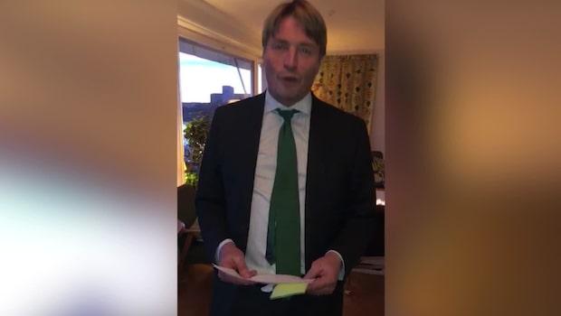 Här filmar Ekwall sin egen vigsel - förrättad av Thomas Bodström
