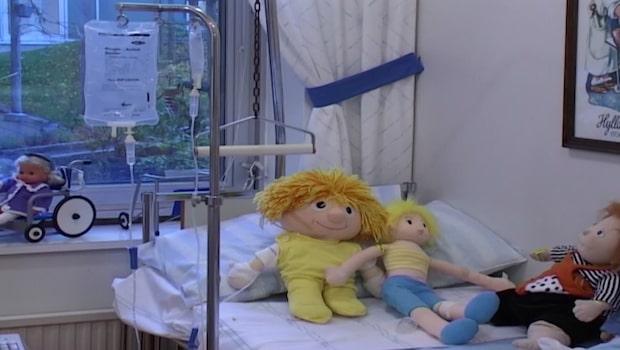 Mammans pojkvän övade wrestling med tvååringen – dog av skadorna